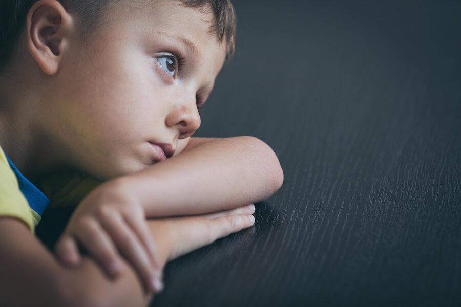 Mindewertigkeitskomplexe entstehen im Kindesalter