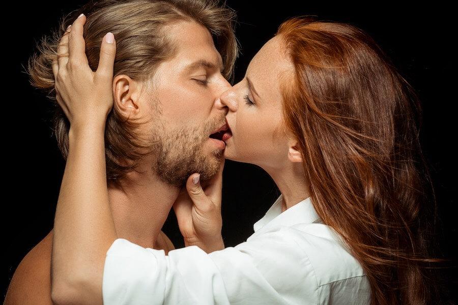 Küssen beim ersten Date - Der Kuss als Vorgeschmack auf den Sex