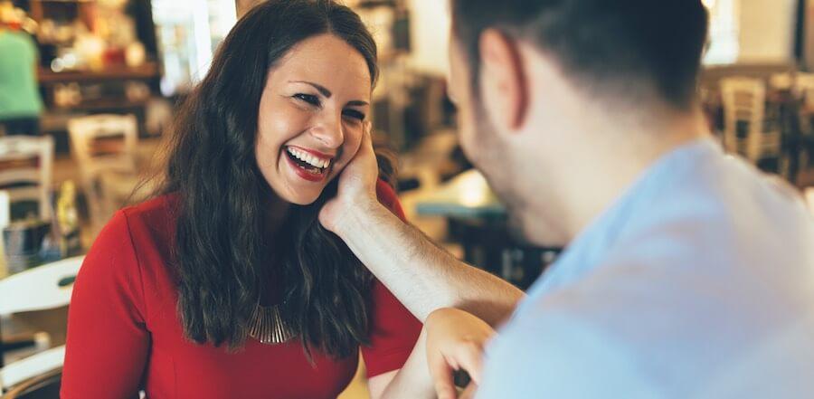 Flirten lernen mit den richtigen Fragen