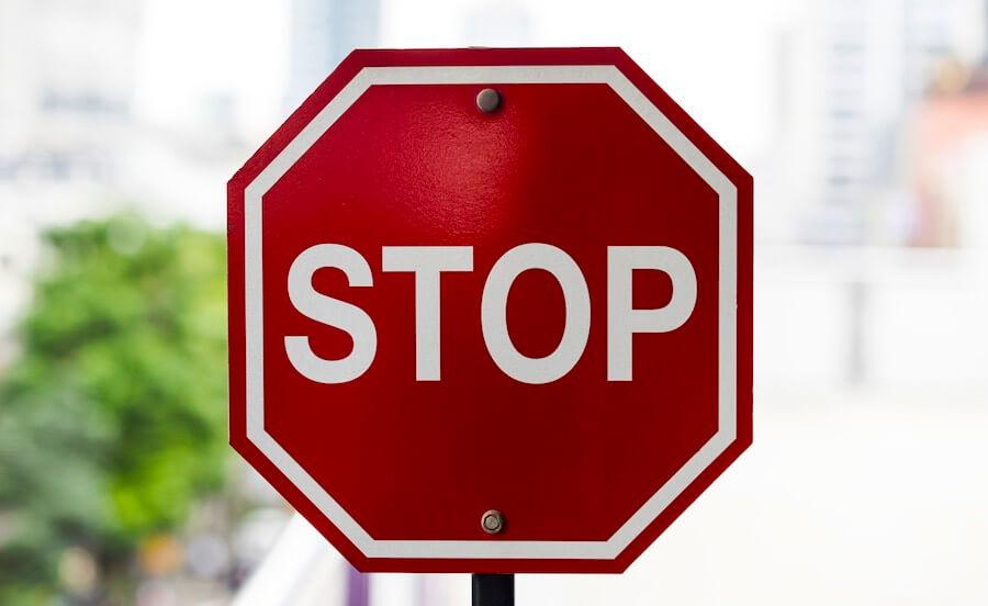 Schüchternheit überwinden - STOPP und kognitive Verhaltenstherapie