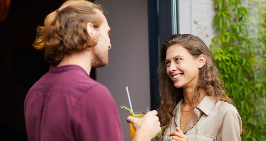 Körpersprache Frau - Was sagt ihr Mund?