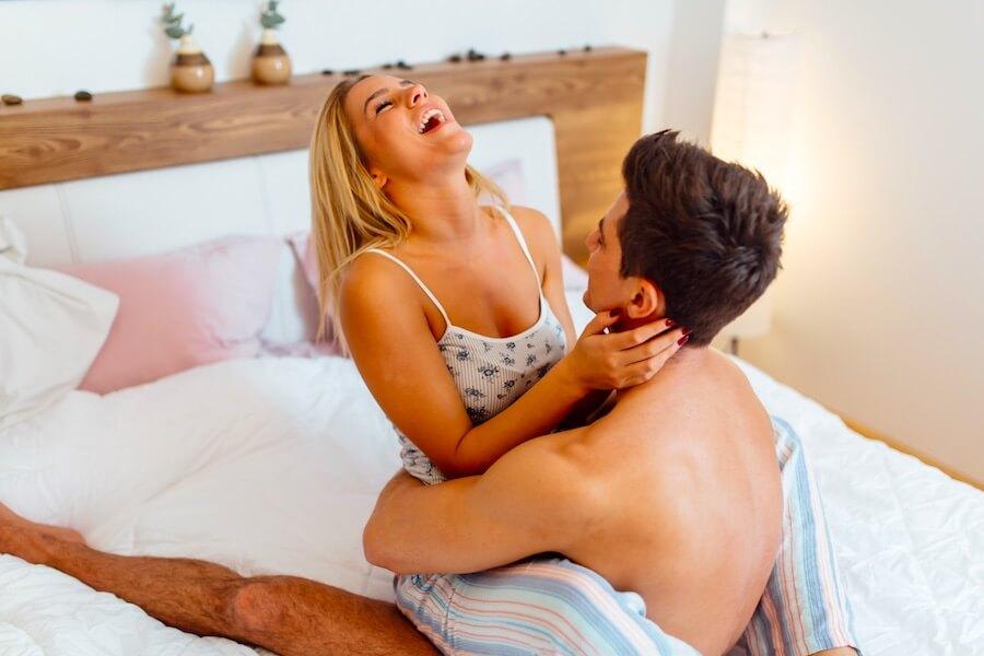 Mingle - Die Vorteile von Single und in einer Beziehung sein